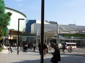 京阪『くずは』駅前バスターミナルの写真
