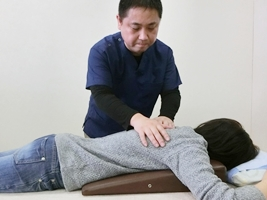筋肉の柔軟性を改善させる施術の写真